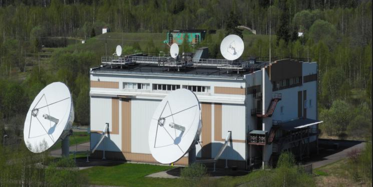 Ракета-носитель протон-м с космическим аппаратом инмарсат-5ф2 вывезена на стартовый комплекс